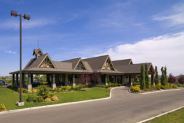 Lewis Estates Golf Course clubhouse street view